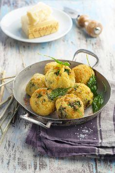 Recipe - Spinach and Parmesan Cream Meatballs Parmesan, Cooking Tips, Cooking Recipes, Feta, Holiday Recipes, Potato Salad, Healthy Snacks, Snack Recipes, Food Porn