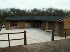 Beautiful Mobile Stables, Mobile Field Shelters, Horse Stables & Stable Blocks. Bespoke manufacturer to ensure timber stables & horse shelters you both love