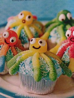 sealife cake ocean themes Cute snack for a kids party with ocean theme Ocean Snacks, Cute Snacks, Under The Sea Party, Ocean Themes, Mermaid Birthday, Bake Sale, Kids Meals, Party Themes, Party Ideas
