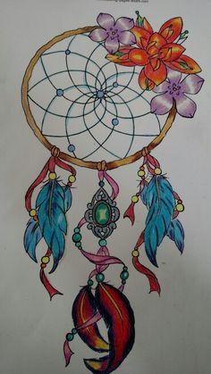 Filtro dos sonhos colorido com lápis de cor. Colorido antiestress