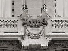 www.italialiberty.it - Casa Maffei, 1909 - Vandone di Cortemilia, Alloati, Mazzucotelli Decoro in ferro battuto dei balconi del primo piano Torino, Corso Montevecchio 50