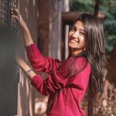 Teen Girl Poses, Cute Girl Poses, Dehati Girl Photo, Girl Photo Poses, Photo Shoot, Stylish Girls Photos, Stylish Girl Pic, Beautiful Girl Photo, Beautiful Girl Indian