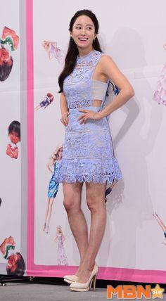 Jeon Hye-bin in lavender see-through dress at 'Oh Hae-Young Again' press conference @ HanCinema :: The Korean Movie and Drama Database Korean Actresses, Actors & Actresses, Another Miss Oh, Jeon Hye Bin, Eric Mun, Seo Hyun Jin, Jae Yoon, See Through Dress, Kdrama Actors
