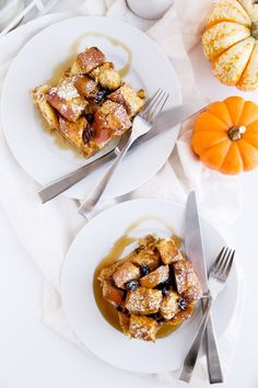 Overnight Cinnamon Raisin Pumpkin French Toast Bake