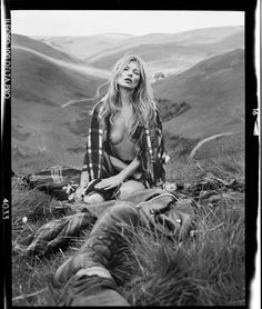 """Kate Moss took part in """"Made in Britain"""" photosession for December issue of Vogue UK. The photographer was Tim Walker. Kate Moss, Vogue Uk, Ella Moss, Tim Walker Photography, Manequin, Stars Nues, Miss Moss, Stephanie Seymour, Poppy Delevingne"""