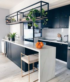 Kitchen Trends 2020 : Its About Balance with Plenty of Urban Flair Interior Design Kitchen Balance Flair Kitchen plenty Trends Urban Home Decor Kitchen, New Kitchen, Home Kitchens, Kitchen Ideas, Modern Kitchens, Kitchen Layout, Small Kitchen Tables, Kitchen Plants, Country Kitchens