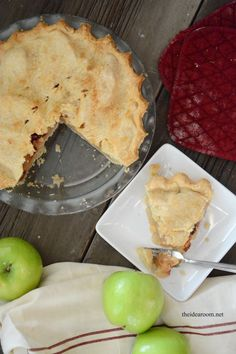 Is making homemade pie crust intimidating? We teach you step by step how to make pie crust with our perfect pie crust recipe that is light and flakey! Best Apple Pie, Best Pie, Apple Pies, Apple Pie Recipes, Cheesecake Recipes, Dessert Recipes, Quiches, Perfect Pie Crust, Homemade Pie Crusts