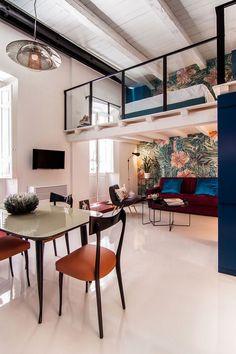 Space-Savvy Italian Home Delights with a Nifty Mezzanine Level Bedroom Mezzanine Bedroom, Bedroom Loft, Attic Bedrooms, Bunk Bed Designs, Italian Home, Apartment Living, Apartment Layout, Apartment Ideas, Living Room Decor