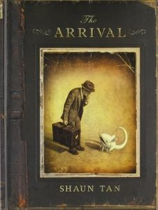 The Arrival-Shaun Tan: Wordless graphic novel, portrayed by the detailed, imaginative, and interesting pictures. Coming from the point of view of immigrants and refugees. Shaun Tan, Wordless Picture Books, Wordless Book, Good Books, My Books, Free Books, Illustration, Book Week, Children's Literature