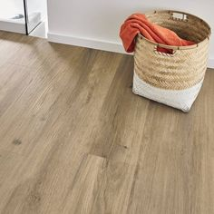 Karndean presents luxury vinyl flooring to inspire your kitchen, bathroom or living room floor. Browse the collection of realistic wood and stone design floors that suit any decor style. Vinyl Flooring Bathroom, Luxury Vinyl Flooring, Luxury Vinyl Tile, Vinyl Plank Flooring, Vinyl Tiles, Luxury Vinyl Plank, Hardwood Floors, Flooring Tiles, Oak Bathroom