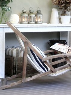 beachy- I have this exact beach chair on my front porch. Found it at an antique store.