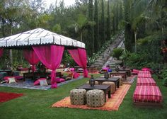 Cool outdoor party set up Cool outdoor party set up Related posts: Cool Drink Stations For Outdoor Party Super Cool Outdoor Summer Party Decorations Ideas 15 Awesome Outdoor Birthday Party Ideas For Kids Pretty Shower BBQ food Moroccan Party, Moroccan Theme, Moroccan Style, Indian Theme, Moroccan Garden, Moroccan Wedding, Morrocan Theme Party, Moroccan Rugs, Indian Garden