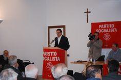 Il Segretario Cittadino Gianluca Bruno durante il suo intervento al Congresso del Partito Socialista di Alessandria.