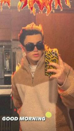 Tik Tok, Round Sunglasses, Boys, Fashion, I Love, Display, Backgrounds, Baby Boys, Moda