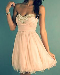 I don't like short prom dresses but this is really nice
