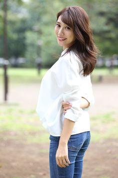 Bell Sleeves, Bell Sleeve Top, Asian Woman, Womens Fashion, Model, Scale Model, Women's Fashion, Woman Fashion