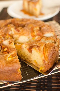 Fresh Peach cake made w sour cream ~ seems like the peach coffee cake we had in Oregon. Sweet Recipes, Cake Recipes, Dessert Recipes, Food Network Recipes, Cooking Recipes, Healthy Recipes, Peach Cake, How Sweet Eats, Coffee Cake