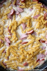 Ready in just 20 minutes, this One-Pan Cheesy Kielbasa Pasta will make everyone in your family smile! Simple and delicious! Ready in just 20 minutes, this One-Pan Cheesy Kielbasa Pasta will make everyone in your family smile! Simple and delicious! Kielbasa Pasta Recipes, Kilbasa Sausage Recipes, Polish Sausage Recipes, Smoked Sausage Recipes, Polish Keilbasa Recipes, Crockpot Keilbasa Recipes, Skillet Recipes, Skillet Meals, Kalbasa Recipes