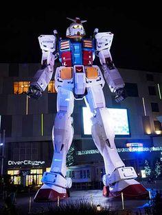 Gundam Statue, Odaiba, Tokyo.