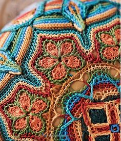 Crochet Master Class: Lessons and Projects from Today's Top Crocheters Motif Mandala Crochet, Crochet Motifs, Freeform Crochet, Crochet Stitches, Crochet Patterns, Crochet Afghans, Crochet Quilt, Crochet Blocks, Granny Square Häkelanleitung