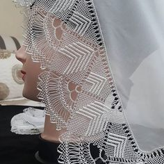 İğne Oya'm 😊 (@ignemin_hunerleri) • Instagram fotoğrafları ve videoları Crochet Tablecloth, Needle Lace, Crewel Embroidery, Cotton Crochet, Filet Crochet, Girly Girl, Doilies, Videos, Ruffle Blouse
