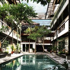 Alexis Dornier completes co-living complex in Bali with communal areas on its roof Residential Complex, Residential Architecture, Interior Architecture, Interior And Exterior, Architecture Details, Exterior Design, Tokyo Apartment, Co Housing, Old Apartments