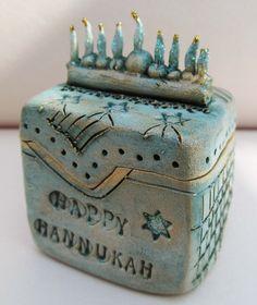 Miniature Menorah Box. via Etsy.