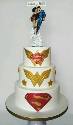 Many little girls dream of their wedding day and how perfect it will be. Wonder Woman Kuchen, Wonder Woman Cake, Superman Wonder Woman, Wedding Cake Designs, Wedding Cake Toppers, Wedding Themes, Wedding Cakes, Wedding Ideas, On Your Wedding Day