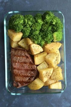 Grilled Steak & Garlic Roasted Potato Meal Prep - Rib eye steaks are hand rubbed and grilled to perfection in this easy recipe! Grilled Steak & Garlic Roasted Potato Meal Prep - Rib eye steaks are hand rubbed and grilled to perfection in this easy recipe! Lunch Meal Prep, Healthy Meal Prep, Healthy Snacks, Healthy Recipes, Easy Recipes, Eating Healthy, Fitness Meal Prep, Easy Meal Prep, Lunch Time
