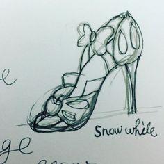 Pinを追加しました!/設計図!エプロンのデザイン見ながら描きました。アイシングでやってみようかと #Tの横棒が足りない #白雪姫 #snowwhite #他にもいるよ #そんな事より身辺整理しないと