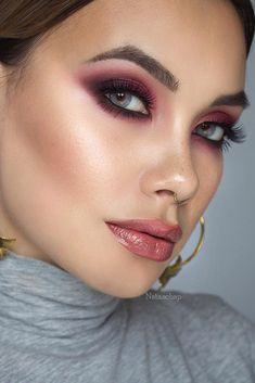 We decided to treat you with a set of perfect date makeup ideas that are on the edge of popularity these days. What is more, you won't be able to find better valentine's day makeup looks than the ones gathered here! #makeupideas #valentinesdays