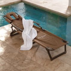 Pool beach on pinterest recliners tommy bahama and for Breezy beach chaise