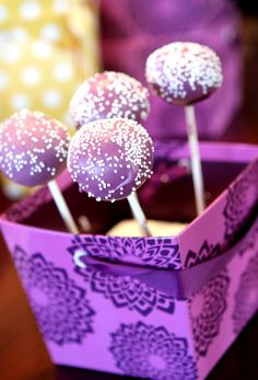 Purple cake pops - Use GEL food coloring for that rich color. NOT the drops!!