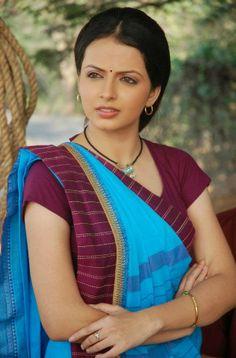 Shrenu Parikh in Saree Beautiful Girl Indian, Beautiful Indian Actress, Beautiful Bride, Shrenu Parikh, Indian Photoshoot, Most Beautiful Bollywood Actress, Girl Fashion, Fashion Outfits, Stylish Girl Images