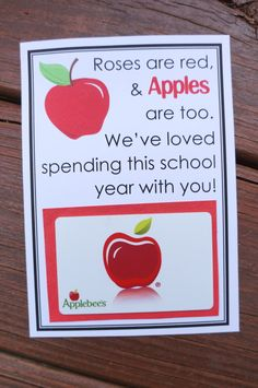 Applebee's gift card and this cute printable makes a cute apple themed teacher gift. Give teachers a gift they actually want they want! Click through for more APPLE THEMED GIFT IDEAS