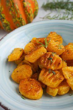 Pumpkin Gnocchi (Vegan, Paleo) – Famous Last Words Vegan Breakfast Recipes, Vegan Snacks, Healthy Snacks, Paleo Vegan, Vegan Blog, Paleo Recipes Easy, Vegetarian Recipes, Seafood Recipes, Pasta Recipes