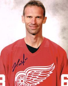 Dominik Hasek Signed 8x10 Photo #SportsMemorabilia #DetroitRedWings
