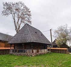 adelaparvu.com despre case din lemn maramuresene, case restaurate Maramures, Breb, Foto Dragos Asaftei (3) Design Case, Home Fashion, Old Houses, Romania, Cabin, House Design, Traditional, House Styles, Interior