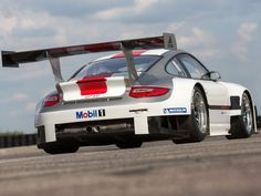 Porsche, Mesmerizing Porsche 911 GT3 R Rear Side: Sporty Porsche 911 gt3 r with 500 HP
