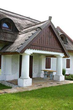 Szentbékkálla - tervező: Mérmű Építész Stúdió Vernacular Architecture, Traditional House, Hungary, Gazebo, Farmhouse, Cottage, Outdoor Structures, Cabin, House 2