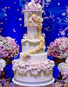 کیک چند طبقه زیبای جشن تولد دخترونه با تم راپونزل (گیسو کمند)