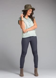 Effortless style with a sustainable twist, featuring our Azul Top and Brenna Pant. Boyfriend Pants Outfit, Outdoorsy Style, Barefoot, Everyday Fashion, Homestead, Style Ideas, Fun Stuff, Summer Outfits, Stitch