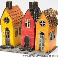 I really enjoyed making these houses, inspired by the Stockholm Old Town (Gamla Stan) with its narrow alleyways and old buildings. The base is the Village Brownstone by @sizzix @tim_holtz ,vwith details from some of the other village dies. I took some step photos (link in profile). #layersofink #sizzix #timholtz #rangerink #sizzixusdesignteam #gamlastan #villagebrownstone #distresspaint #miniaturehouses #stortorget #mica #usartquest