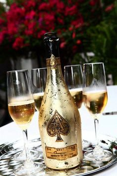 Complementary Ace of Spades throughout