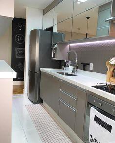 Cozinha inspiradora. Amei! @pontodecor | @maisdecor_ Projeto Nosso Apê 236 Via @maisdecor_ www.homeidea.com.br Face: /homeidea Pinterest: Home Idea #homeidea #arquitetura #ambiente #archdecor #archdesign #projeto #homestyle #home #homedecor #pontodecor #homedesign #photooftheday #interiordesign #interiores #picoftheday #decoration #revestimento #decoracao #architecture #archdaily #inspiration #project #regram #home #casa #grupodecordigital