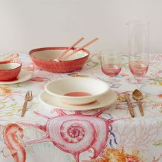 Image 1 of the product Shell-print napkins and tablecloth