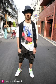 Japanese street fashion, street culture and catwalk fashion. Real people, Real clothes, Real Cool.