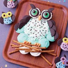 Owl cake made out of cupcakes!