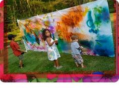 Clementine Art: Make A Mess: Summer Outdoor Art/Spray Bottle Painting Mural Projects For Kids, Art Projects, Crafty Projects, Project Ideas, Clementine Art, Kunst Party, Spray Paint Projects, Messy Art, Art Party