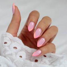 Moje nowe cukierki  Semilac 056 Pink Smile na całej płytce, a końcówka 130 Sleeping Beauty oraz 131 Lovely Mickey  Miały być zupełnie inne ale wyszło tak  #semilac #nails #nailsdid #nailsofinstagram #instanails #nailswag #pink #pastels #manicure #nails2in